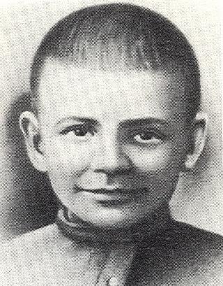 Захоронен у Кремлевской стены — Павлик Андреев
