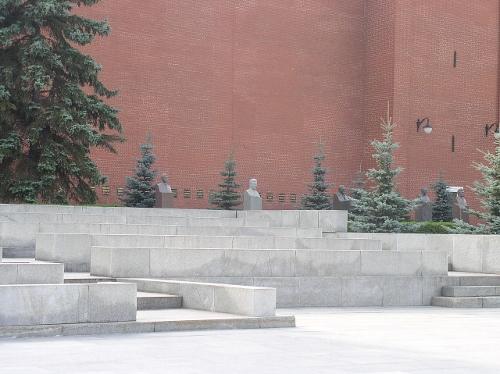Захоронен у Кремлевской стены — Тимофей Баскаков